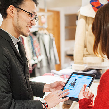 iPadは店舗での接客業務に活用